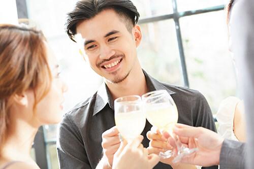 ギャラ飲みに参加している男性