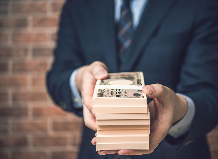 お金くれる人を募集している人必見!リッチな男性と出会える方法をご紹介