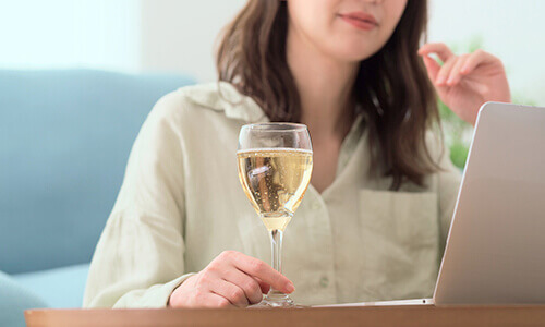 コロナ禍でも安全にギャラ飲みする方法とは?